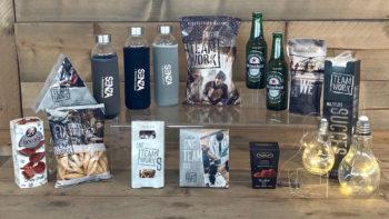Teamwork met drinkfles en biertjes - Kerstpakket Kruger Geschenken